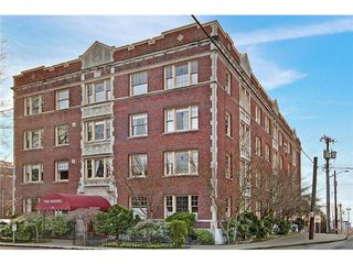Bering Iniums Is A Boutique Vintage Building With 28 Units Located In Capitol Hill The Location Just One Block From S And Restaurants Of
