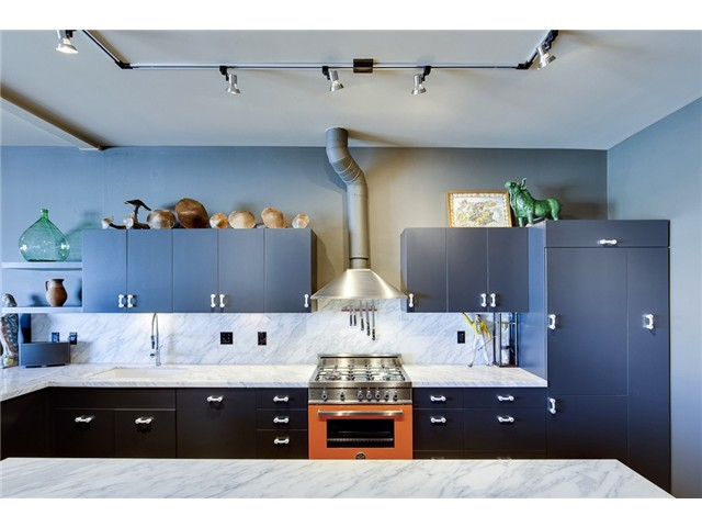 1111 E Pike Kitchen